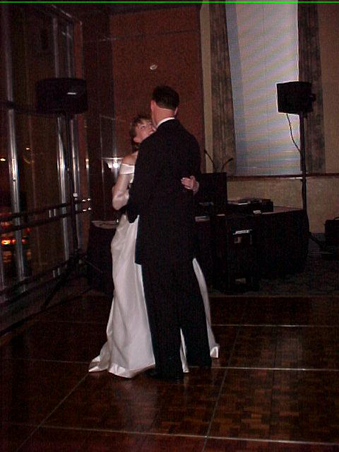 Kristy and Darrell Hammons' first dance